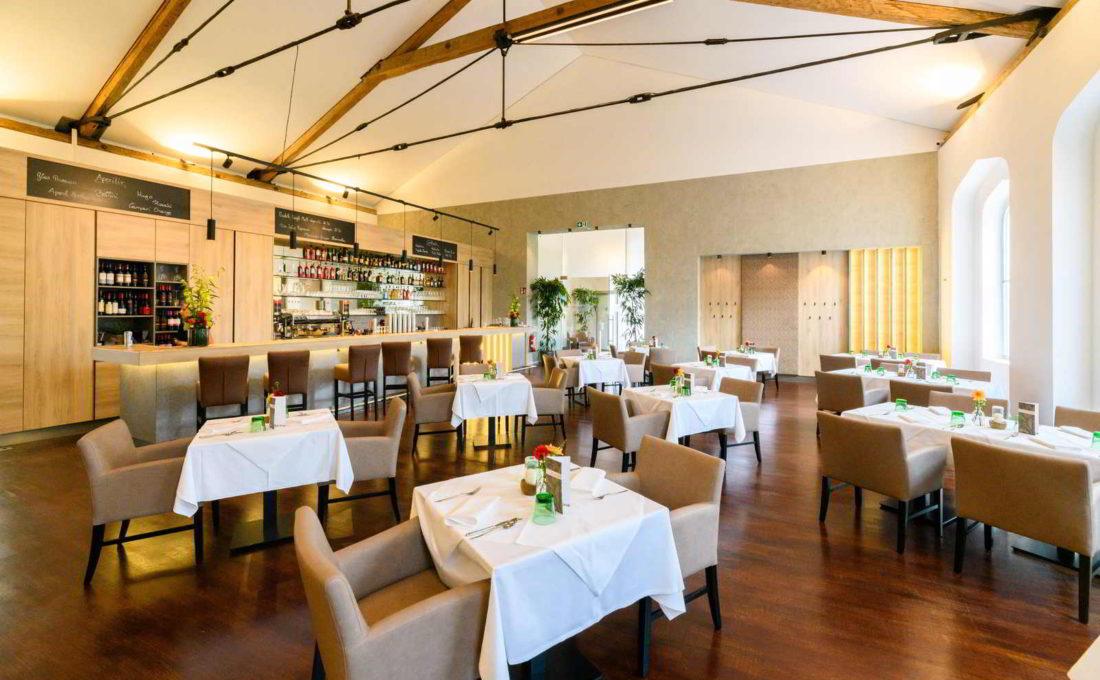 """Gastraum des neu eröffneten Restaurants """"Der Kaiserbahnhof"""""""
